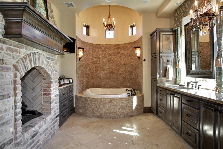 Custom 50 master bathroom in spanish inspiration design for Bathroom in spanish
