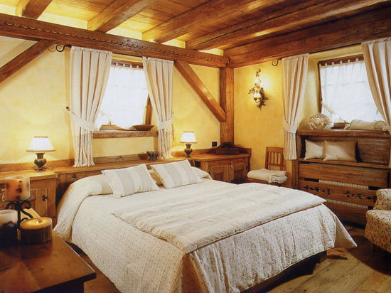 Спальня в стиле кантри дизайн интерьера мебель