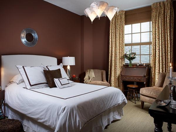 Коричневая спальня дизайн фото