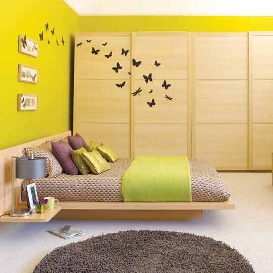 сочетание желтого и зеленого в спальне