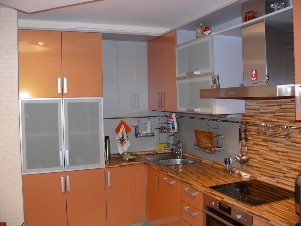 Персиковая кухня сочетание цветов