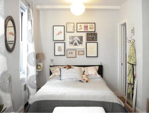 стена в маленькой спальне