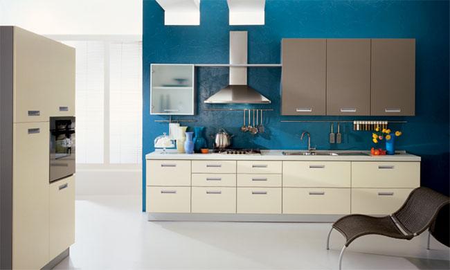 синиестены и белый кухонный гарнитур
