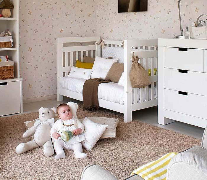 Интерьер детской комнаты в бежевых тонах фото
