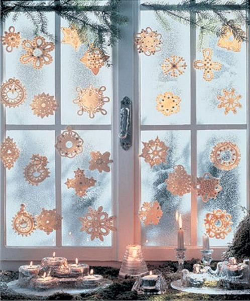 Как красиво украсить окно своими руками