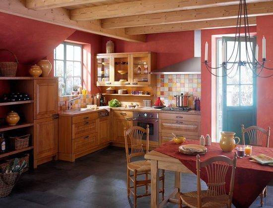 Дизайн кухни в деревне