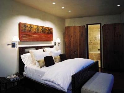 Светильники в дизайне спальни