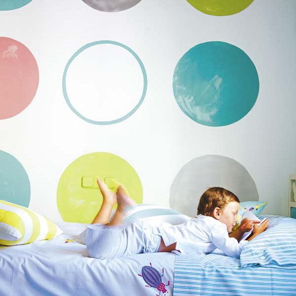 рисунки в детской комнате