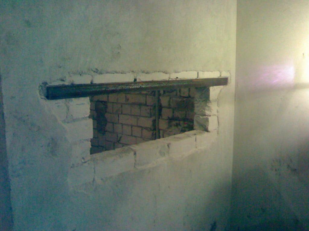 Как сделать нишу в кирпичной стене своими руками
