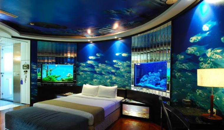 Комната в аквариуме фото