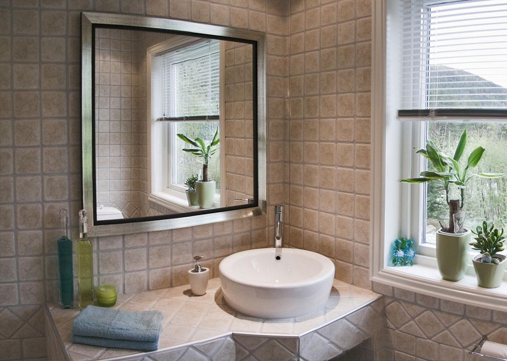 Окно в ванной комнате фото