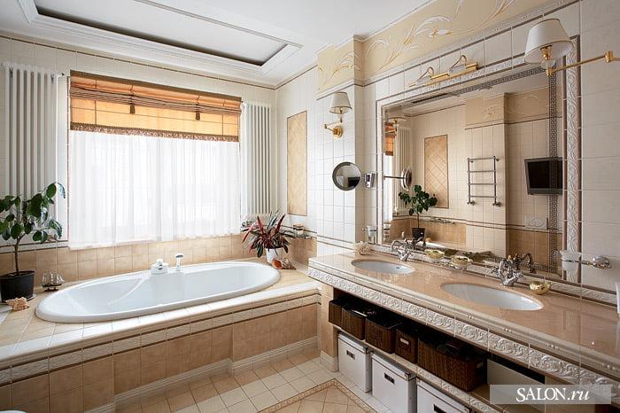 Ванная с окном в частном доме фото