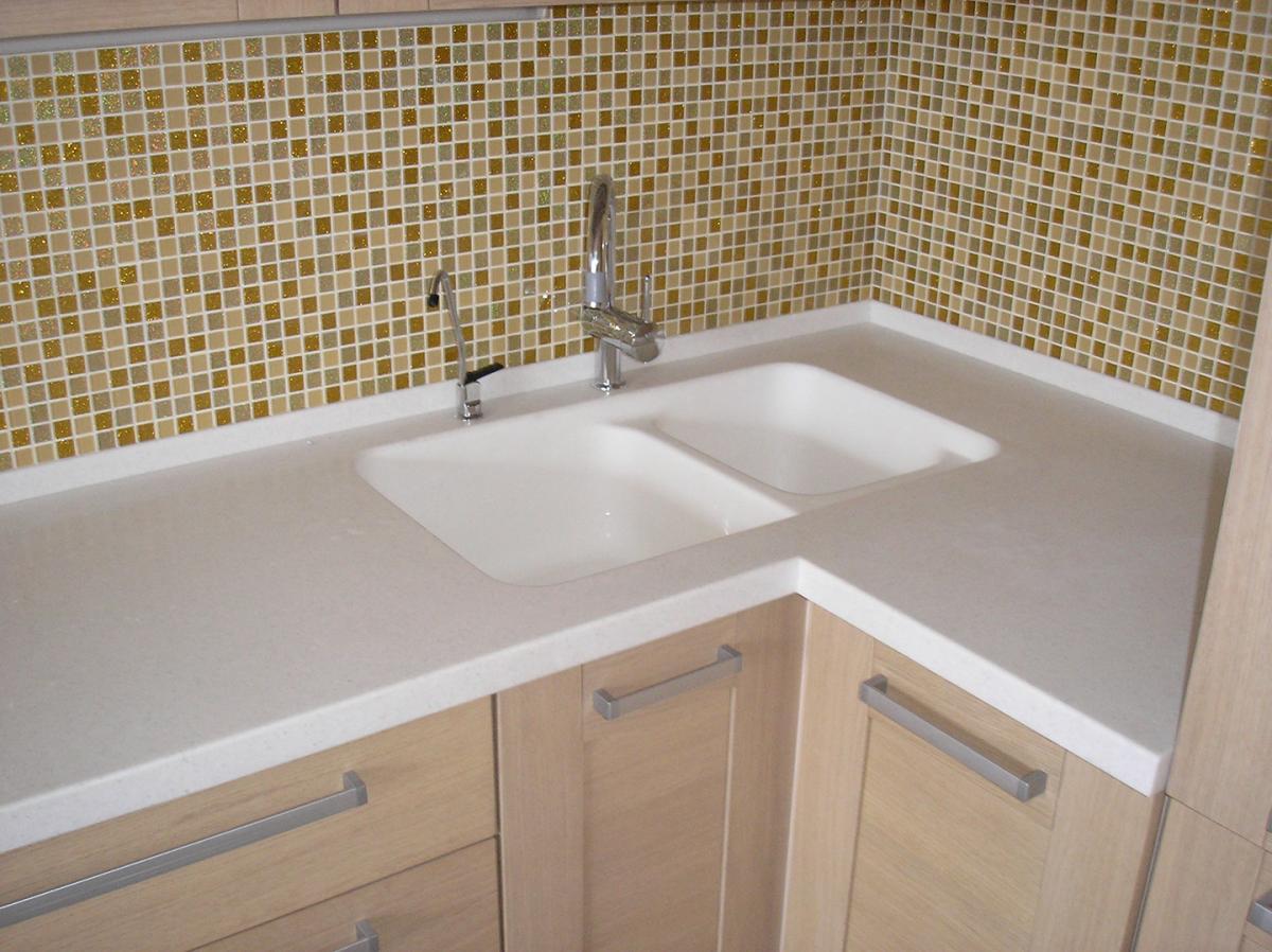 купить столешница для ванной комнаты под раковину и стиральную машину