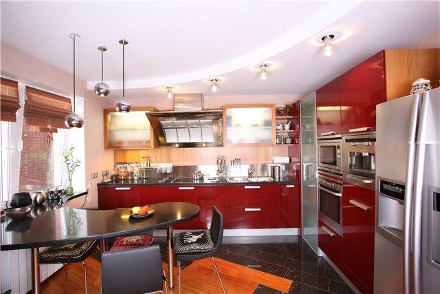 Красная кухня дизайн интерьера фото
